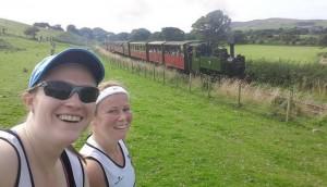 Vicky & Sara Vs 'the train'